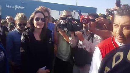 Peru: Angelina Jolie visits Venezuelan refugees at Ecuadorian border
