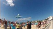 Едно от най-лудите летища в света (maho Beach)