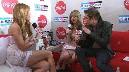 Miley Cyrus - Red Carpet Interview Ama 2010