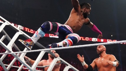 Kofi displays incredible agility in fending off The Revival: WWE TLC 2019