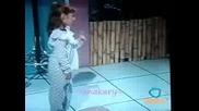 Anahi En Chiquilladas - Any Cantando Brincan Los Borregos