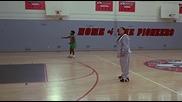 Жените не могат да играят баскетбол :d