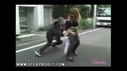 Човекът които не се страхуваше от нищо да бръкне под полата на някое момиче Смях