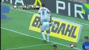 Роналдиньо влезе в 84-ата минута и вкара два гола