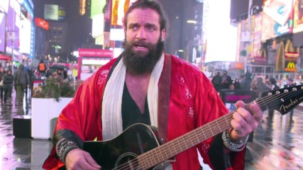 Elias tours New York City before WrestleMania: Raw, March 25, 2019