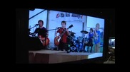 Metallica Се Кефят на The Mini Band