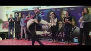 70-годишна жена изумява публиката с танците си в столичен мол