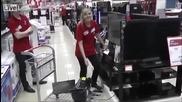 Няма такъв смях !!!! Тези накараха блондинката да напомпи плазмата