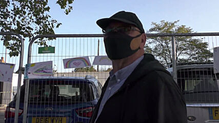UK: Londoners express frustration with shortages as they queue for COVID-19 tests