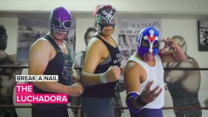 Break A Nail: This female luchadora isn't pulling any punches