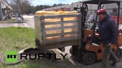 Latvia: 18,000 бутилки фалшив ликьор унищожени в Рига