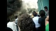 Protestors setting up barricade against Basij in Tehran 20.06.09