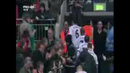 Астън Вила - Манчестър Юнайтед - финал на кърлинг къп - 28.02.2010 - награждаване