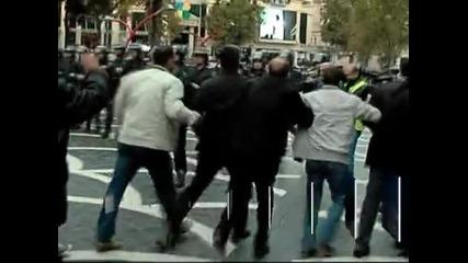 Полицията разпръсна опозиционен протест в Баку