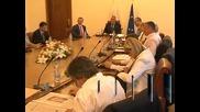 Борисов праща министър Павлова да преглежда пътища със Станишев