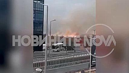 Голям пожар пламна до летище София