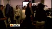 Забавно!! Джъстин бяга като полудял! :d(the Today Show November 23)