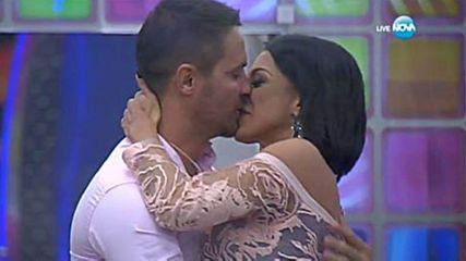 Страстна целувка отключи тайната мисия на Емануела и Борислав