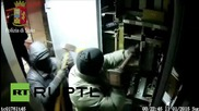 Italy: Footage shows lorry looting gang in action, arrest warrant issued