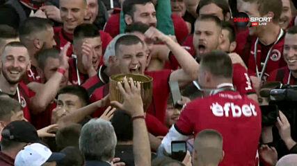 Наградиха Локомотив София за второто място във Втора лига