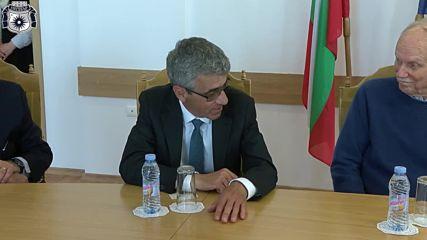 Кметът на Несебър Николай Димитров и посланикът на Сащ в Св. Йоан Алитургетос