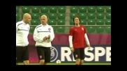 Росицки се връща в отбора на Чехия за мачовете срещу Дания и Армения
