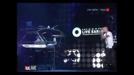 Linkin Park - Pushing Me Away Live Earth2007