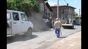 Асфалтират улици в кв Калкас