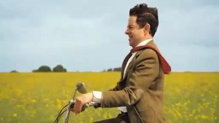 Mr. Bean краде мотопед
