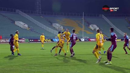 Зверска задна ножица в последната минута клъцна Левски