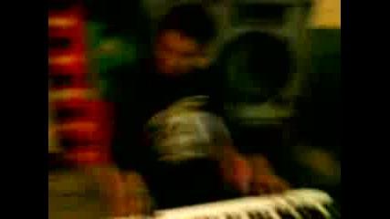 Rado - ravadinovo sviri na klavir 02.07.2010