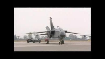 Lamborghini Reventon Vs Tornado (Самолет) Гонка