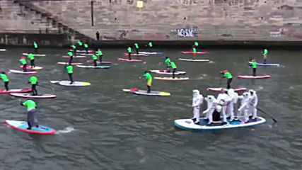 Paddle 'troopers' dot The Seine in 10th edition of Paris Nautic Crossing