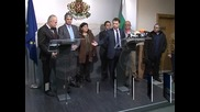 Делян Добрев обещава приватизация на ВМЗ до 23 януари