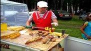 Как се прави чипс спирала в Русия - Торнадо картофи на шиш
