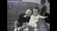 Хълцане И Много Смях ( Бебета )