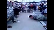 Фарс на лицеви опори в армията