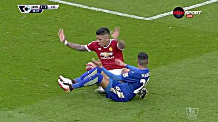 Спорна ситуация в пеналта на Юнайтед