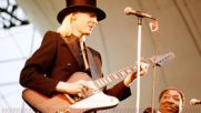 Johnny Winter Be careful with a fool