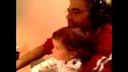 Иванна Играе На Компа С Татко Си