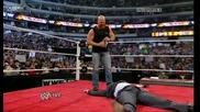 Ледения отново показва колко е луд Raw 07.03.2011