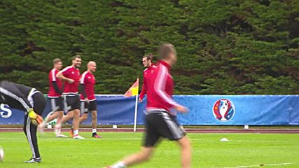 France: Upbeat Welsh team train ahead of historic Euro semi-final