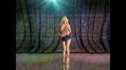 Красива И Надарена Руса Мадама Танцува
