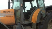 Добрия трактор, сам се кара!