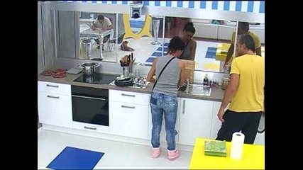Vip Brother 2012 - Черната Златка - мие чиниите