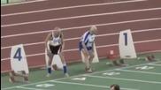 Двама дядовци бягат 100 метра за 20 секунди
