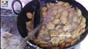 Бърза Храна на улицата .. How To Make Aloo Pakora Recipes - Aloo bajji - Dadar - Mumbai