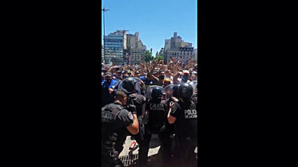 Argentina: Tear gas and rubber bullets as tensions rise at Maradona wake