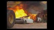 Top Gear - Лада на 2 части [jeremy Clarkson destroys Lada]