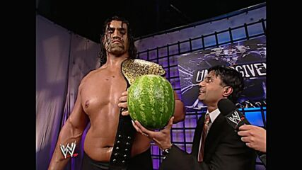 The Great Khali crushes two melons with his bare hands: WWE Unforgiven 2007